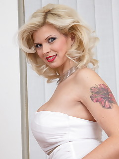 Tattoed Mature Pics