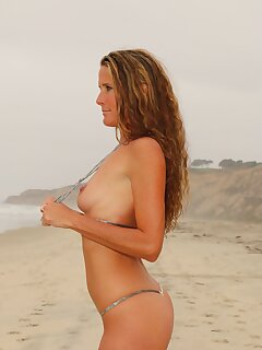 Beach Mature Pics