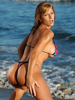 Bikini Mature Pics