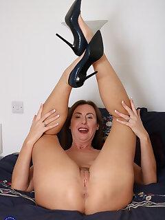 Legs Mature Pics